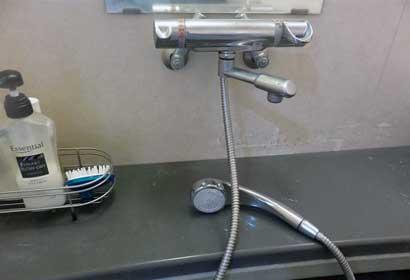 シャワーカランの水が止まらない
