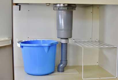 台所の流し台シンク下の水漏れの原因