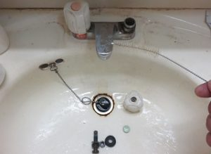 水漏れする洗面所水栓2